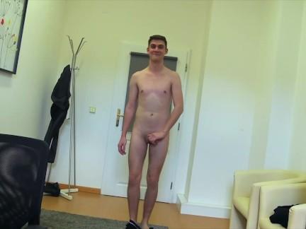 DIRTY SCOUT – kluk si na mé péro pohopsá.české porno gay